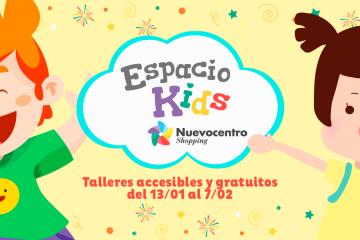 """Foto que muestra a dos niños jugando y en el medio un cartel que dice """"Espacio Kids"""" e invita a participar en las actividades."""